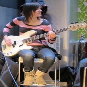 Victoria Smith											Bass Guitar Skype Music Tutor 